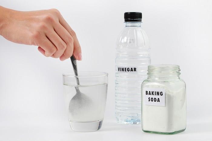 baking soda with vinegar